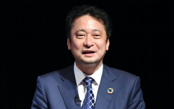 講演するソフトバンクの宮川潤一社長兼CEO(8日、東京・大手町)