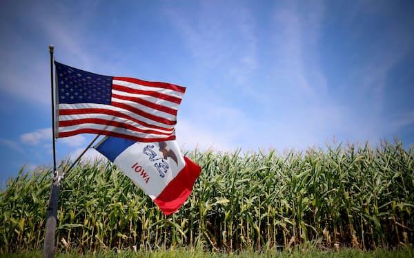 米アイオワ州のトウモロコシ畑(2015年8月)=ロイター