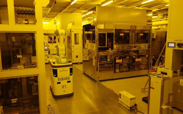 自動車や産業機器に使うマイコンも需給が逼迫している(ルネサスエレクトロニクスの半導体工場)