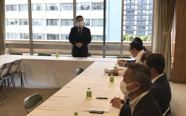 自民党「歳費法に関する検討プロジェクトチーム」の会合(9日、党本部)