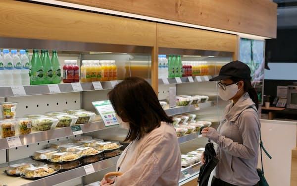 ロック・フィールドの実験店では周辺の会社員などの需要を狙う(東京・中央)