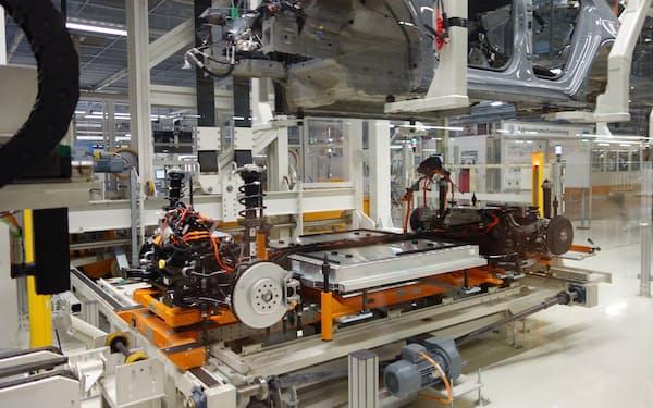 欧州では2024年から順次、EVなどの車載電池のCO2排出量の報告規制が強まる