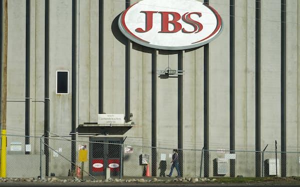 JBSはサイバー攻撃で北米と豪州の食肉処理場が停止した(米コロラド州の施設)=AP