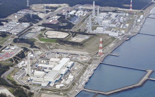 新潟県の東京電力柏崎刈羽原発(共同通信社機から)