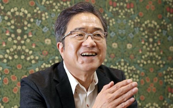 ほりい・としひろ 1953年大阪府枚方市生まれ。76年大阪大学理学部卒、78年同大学院修士課程修了。大阪大学で80年助手。91年微生物病研究所助教授、99年教授、2019年より現職、同研究所マラリアワクチン開発寄付研究部門教授。