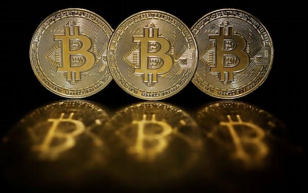 ビットコインなどの仮想通貨への警戒が強まっている=ロイター