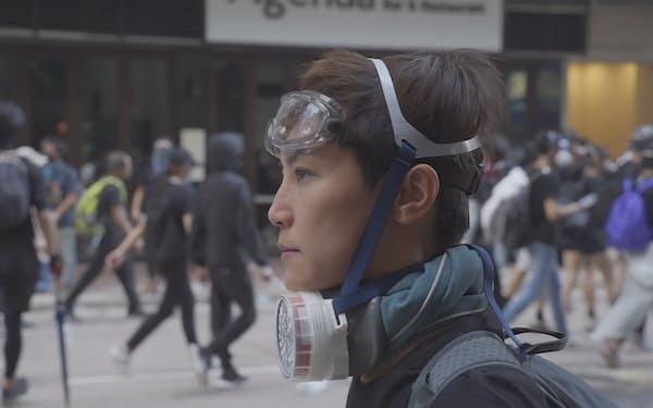 香港を代表するスター歌手の苦闘を追った映画「デニス・ホー ビカミング・ザ・ソング」(C)Aquarian Works, LLC