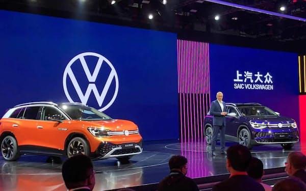 独フォルクスワーゲン(VW)の合弁会社も苦戦した(上海国際自動車ショーでの展示)