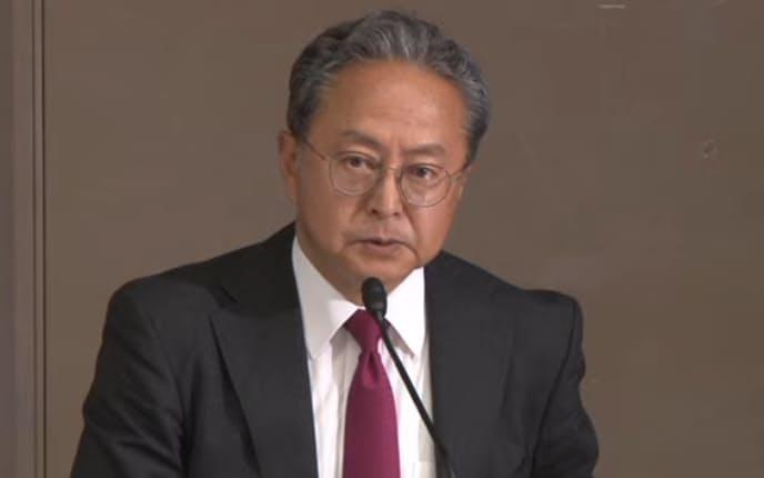 記者会見する調査者の中村隆夫氏