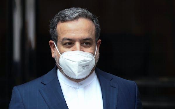 イランのアラグチ外務次官は大統領選までの合意は難しいとの見解を示した(12日、ウィーン)=ロイター