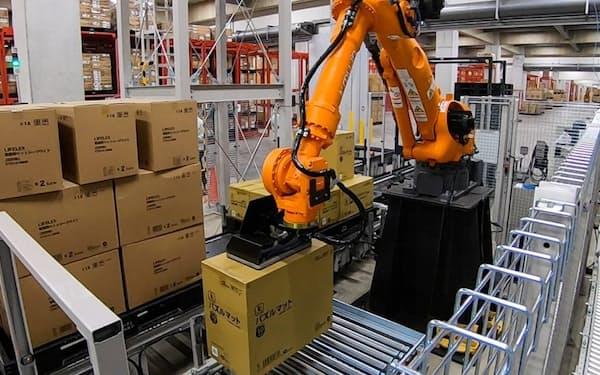コーナンの施設で荷下ろし作業を自動化するロボット