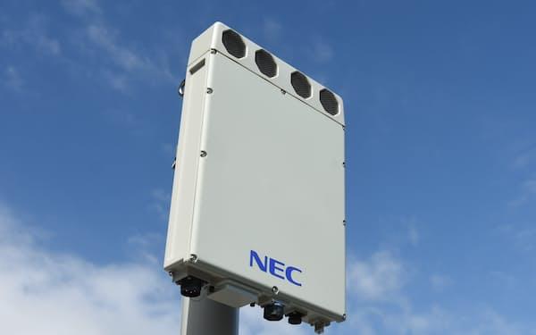 NECはボーダフォンからの受注を足がかりに、海外で5G基地局製品の受注上積みを狙う(写真はNECの5Gアンテナ)