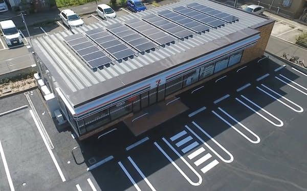 セブンイレブンなど店舗への太陽光パネルの設置を急ぐ