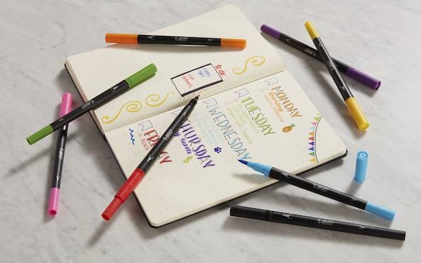 「BIC インテンシティ 水性デュアルチップ」は筆ペンのようなブラシと細字の両方を備える