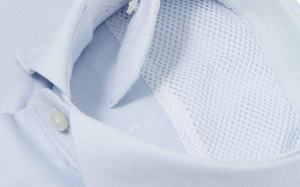 青山商事の「クイックタッチシャツ」はパイル生地を襟の内側に付け、首回りのべたつきを軽減する