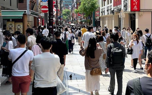 横浜中華街では観光客の来訪に備え、街をあげて職場接種をする方針だ