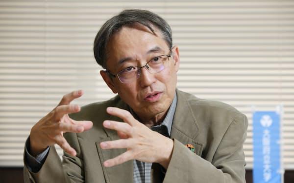 たつみさご・まさひろ 1955年大阪府生まれ。大阪大院修。大阪府立大教授を経て2015年工学研究科長。19年から学長兼公立大学法人大阪副理事長。専門領域は無機材料化学、固体イオニクス、ガラス科学。工学博士。