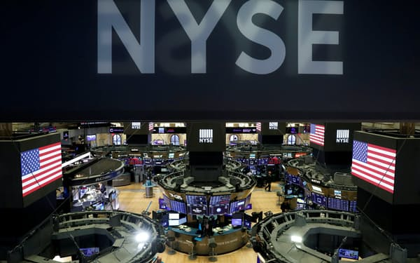 株式型ETFへの資金流入が続いている(ニューヨーク証券取引所)=ロイター