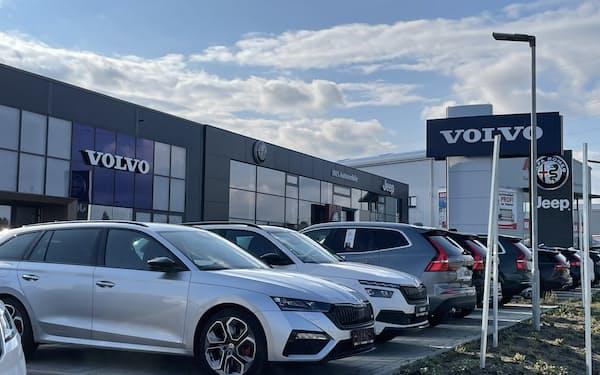 欧州新車販売は回復が続く(独フランクフルト郊外の販売店)