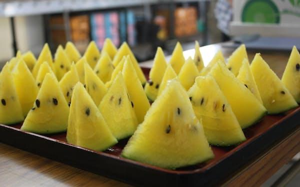 黄色の「ひまわりすいか」は爽やかな甘みが特徴