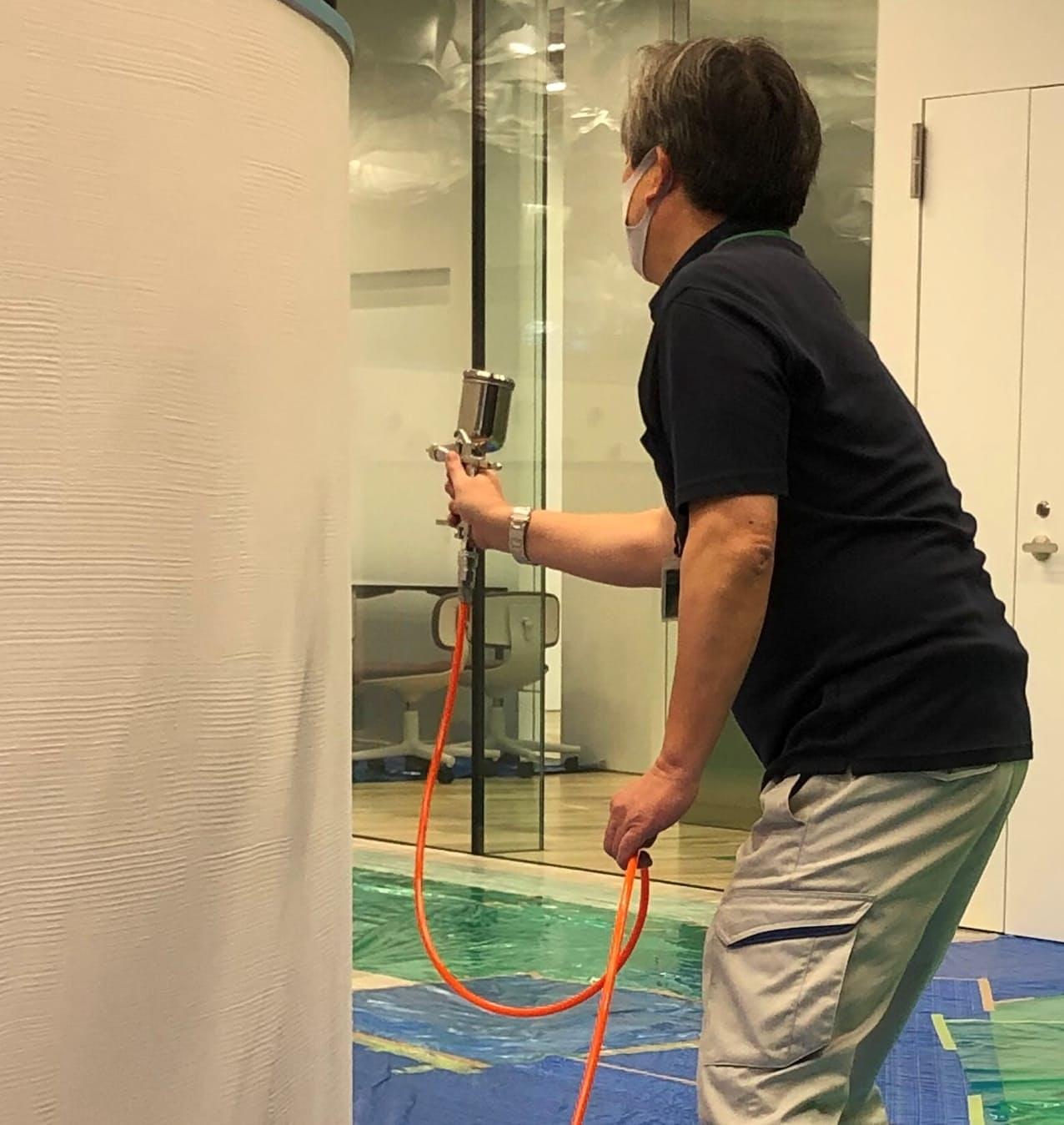 光触媒は壁などに吹きかけて使う