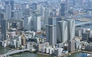 国土交通省は不動産データを整備し取引活性化を狙う(都内のタワーマンション群)