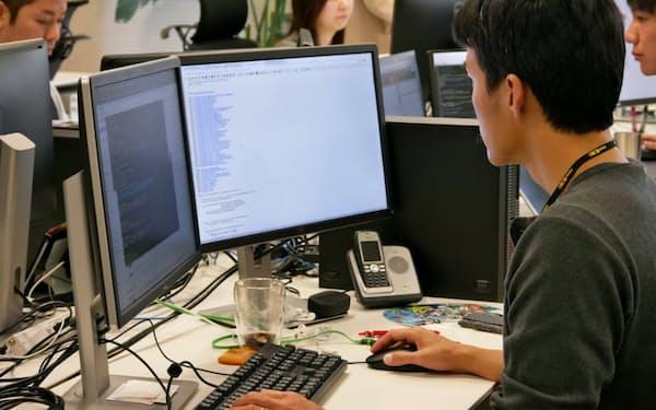 IT人材のニーズが高まっている(大阪市内のオフィス)
