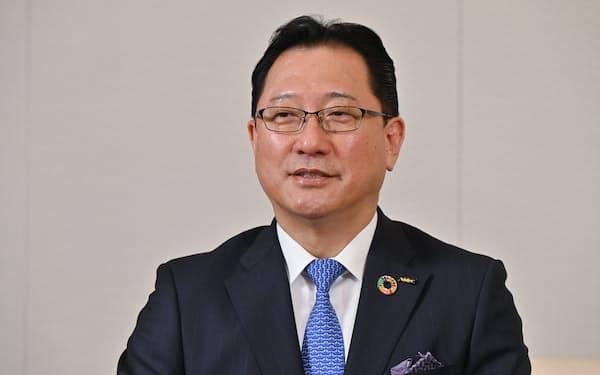 インタビューに答える日本電産の関潤社長兼CEO