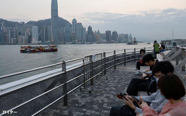 香港経済は中国との一体化が進む=ロイター