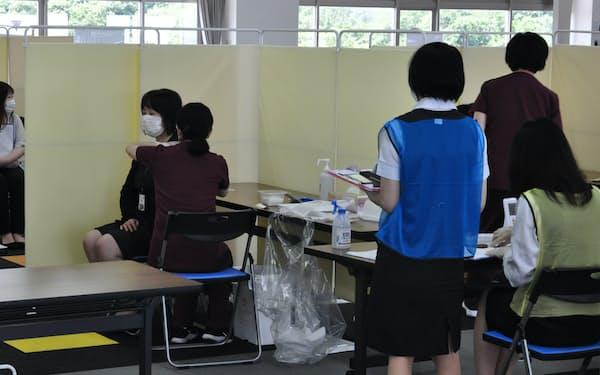 宮城県内で職場接種を始めたアイリスオーヤマ(21日、宮城県角田市の角田工場)