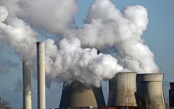 各国中央銀行が乗り出そうとしている金融機関の気候変動ストレステストは資金調達コストに影響を与えそうだ=ロイター