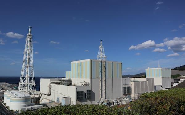 中国電力の島根原子力発電所(松江市、手前が2号機)
