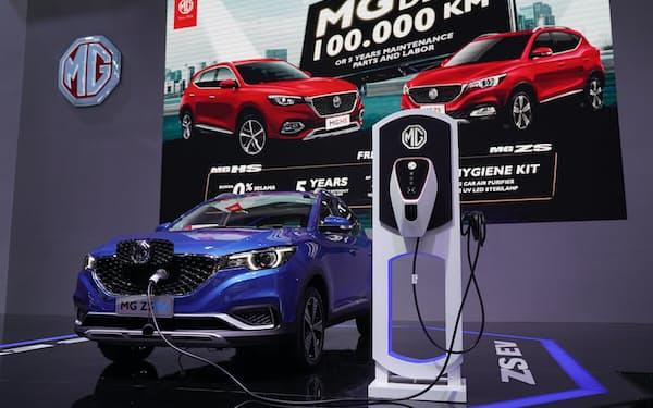 上海汽車集団系の英MGモーターはインドネシアで電気自動車多目的スポーツ車(SUV)を展開する(4月21日、ジャカルタ)