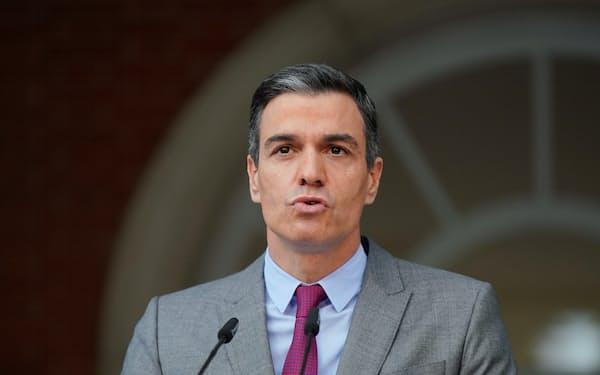 22日、サンチェス首相はカタルーニャ独立派への恩赦を決めた(マドリード)=ロイター