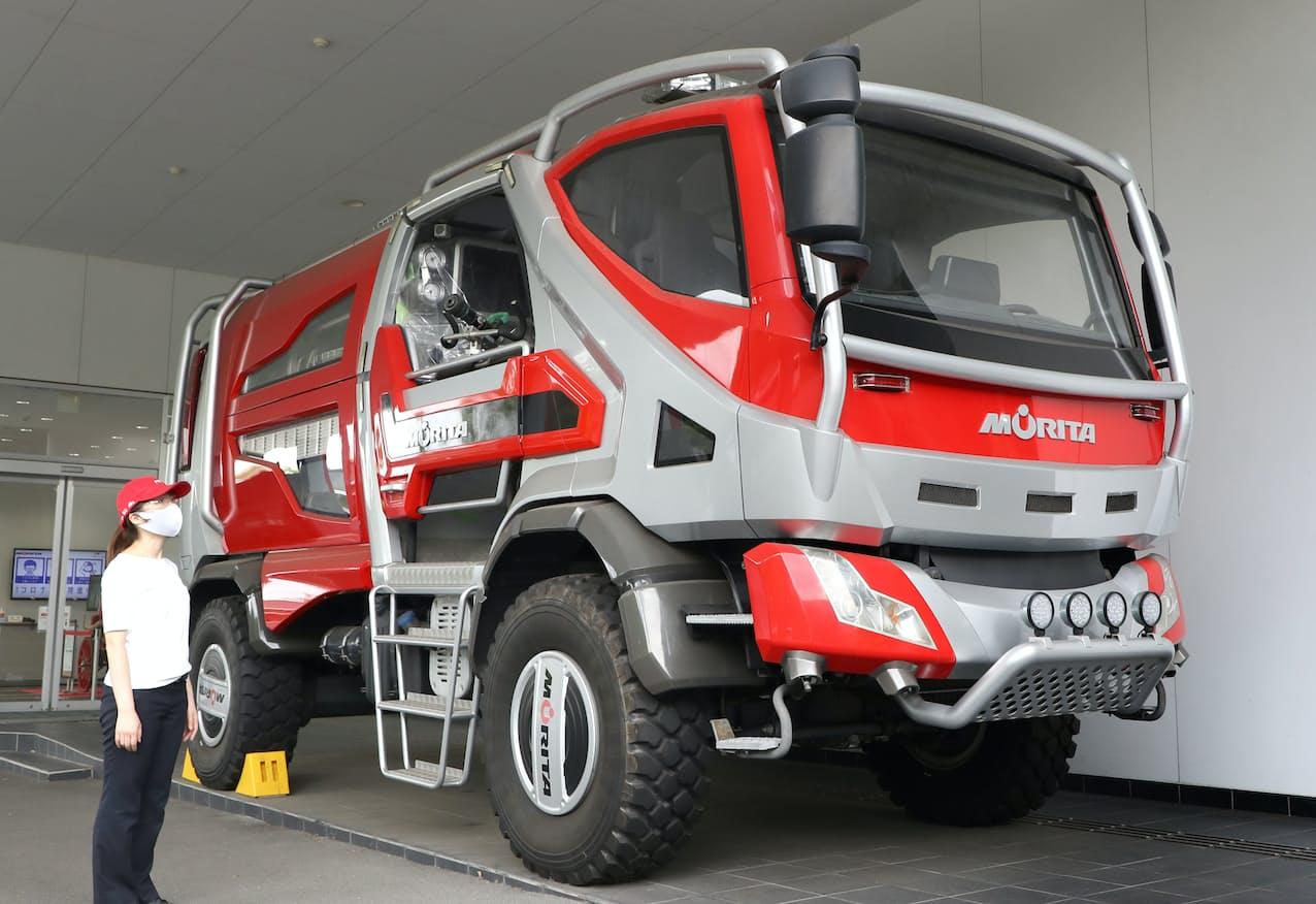 ドイツの見本市向けに製造した森林火災用消防車