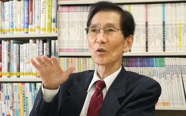みやもと・かつひろ 1945年和歌山市生まれ。68年大阪府立大経卒。同大教授、経済学部長、副学長を歴任。2006年関西大学大学院教授、15年から名誉教授。専門は理論経済学、関西経済論。「『経済効果』ってなんだろう?」など著書多数。