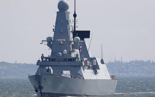 18日、黒海に面したウクライナのオデッサ港に到着した英駆逐艦「ディフェンダー」=ロイター