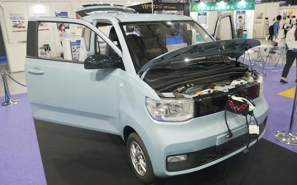 宏光MINI EVの外観は日本の軽自動車のような印象だ(撮影:日経クロステック)