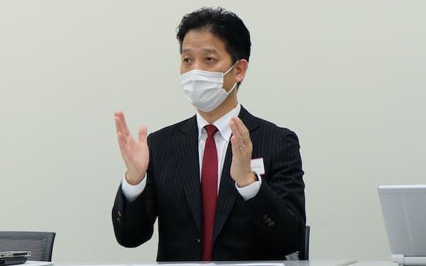 ベイシスの吉村公孝社長(24日)