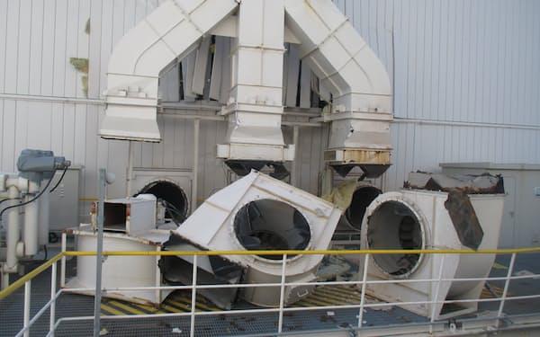 仙台火力4号機では、壊れた換気ファンを交換した(宮城県七ケ浜町)