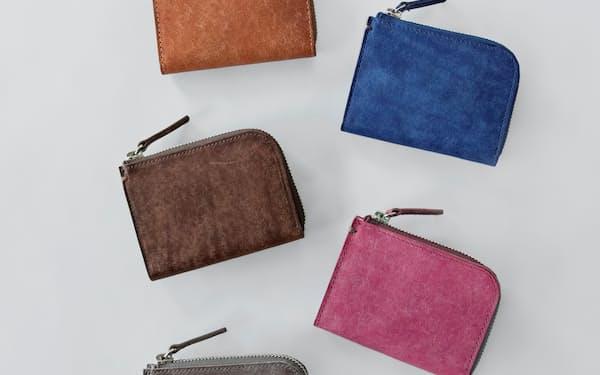 イタリアンレザーを使用して職人が手作りした革財布