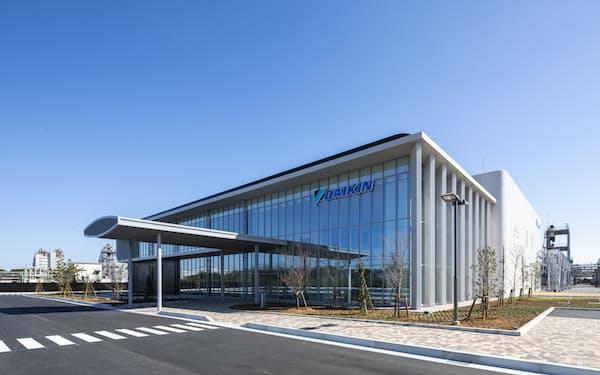 茨城県の工場は設備の稼働データを集約する新システムを導入した(茨城県神栖市)