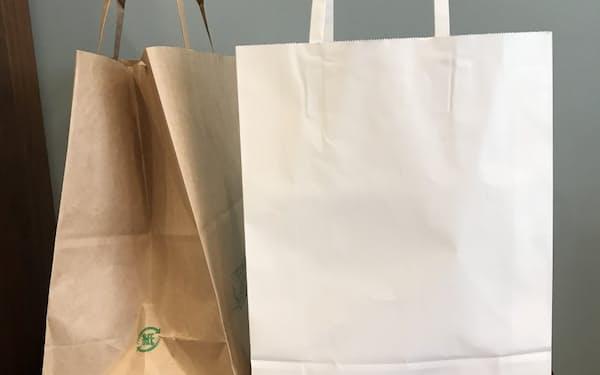 紙袋を有料化する小売店も