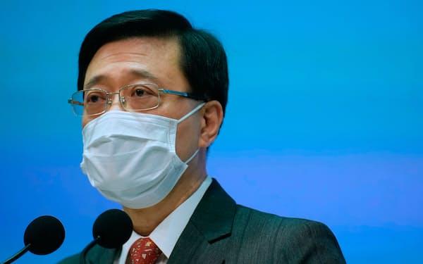 香港政府ナンバー2の政務官に就く李家超氏=AP