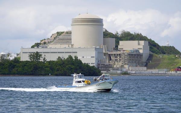 運転開始から40年超の原発として初めて再稼働した関西電力美浜原発3号機=6月23日、福井県美浜町