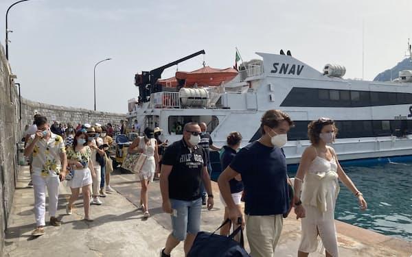 南欧では観光の本格再開への期待が高い(6月20日、イタリア・カプリ島)