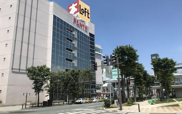 「秋田市中通2丁目 秋田駅前通り」は県内でも最も高い地点だが、横ばいだった(秋田市)