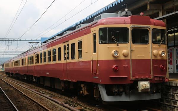 トキ鉄は新たな観光列車の運行を始める