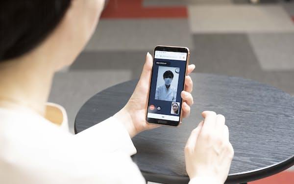 KDDIはオンライン服薬指導サービスを9月に開始する