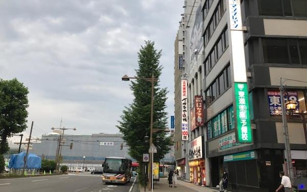 2020年に新潟県内13税務署で唯一の上昇だった新潟も21年は下落に転じた(新潟駅前通り)